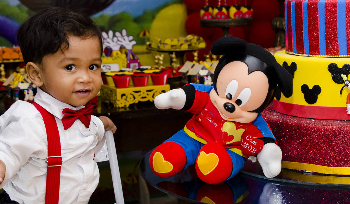 INFANTIL de Artur na Casa do Mickey