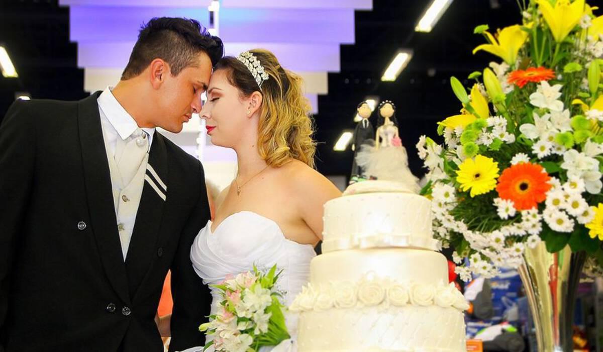 Casamento de Noivos  Românticos