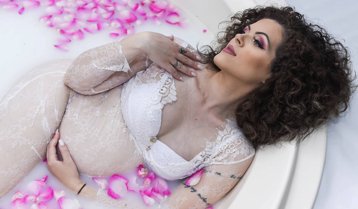 Ensaio Milk Bath de Vicky Parker