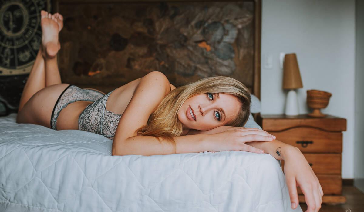 Ensaio Sensual Feminino - Interno de Paola Weiss
