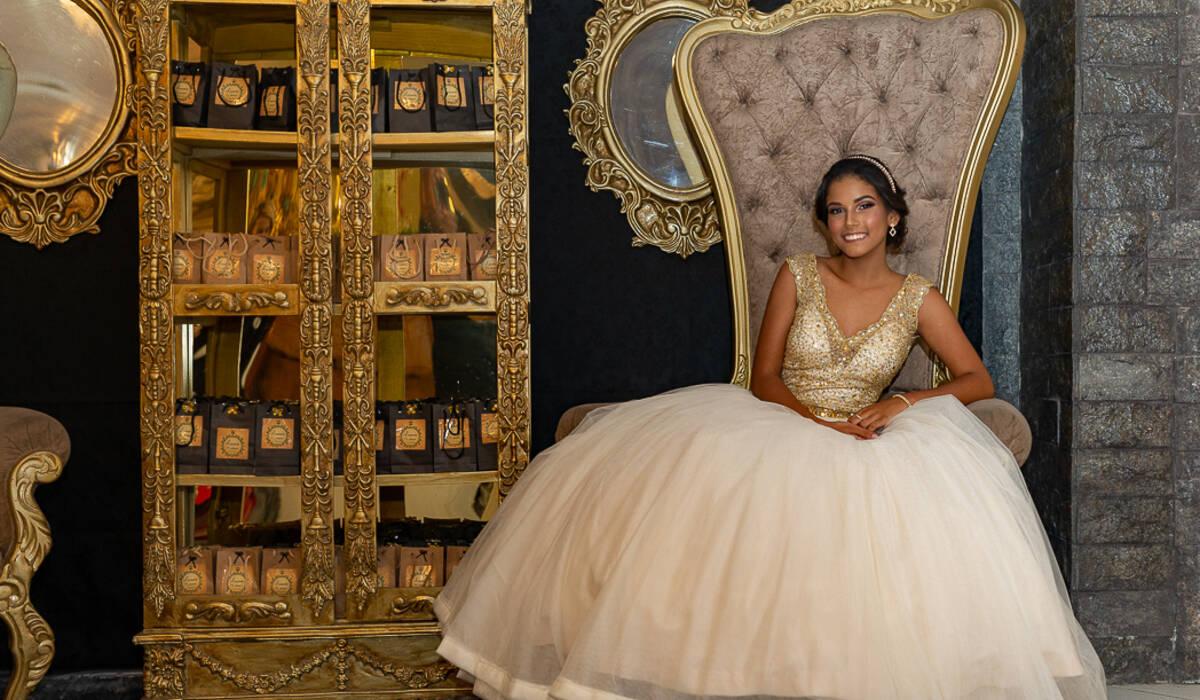 Luana Farias de Debutante