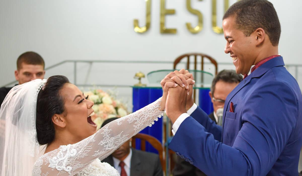 Izabelly e Isaque de Casamento