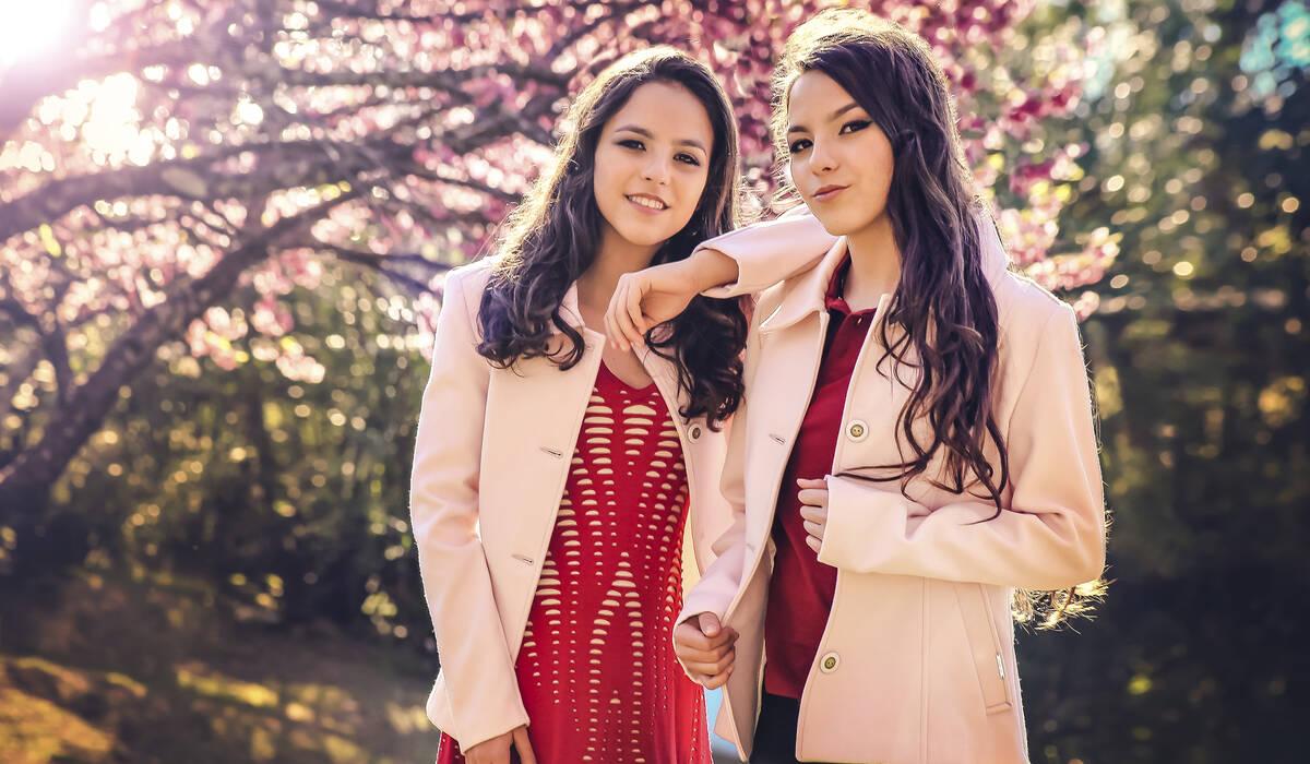 15 anos das gêmeas Larissa e Mariana de
