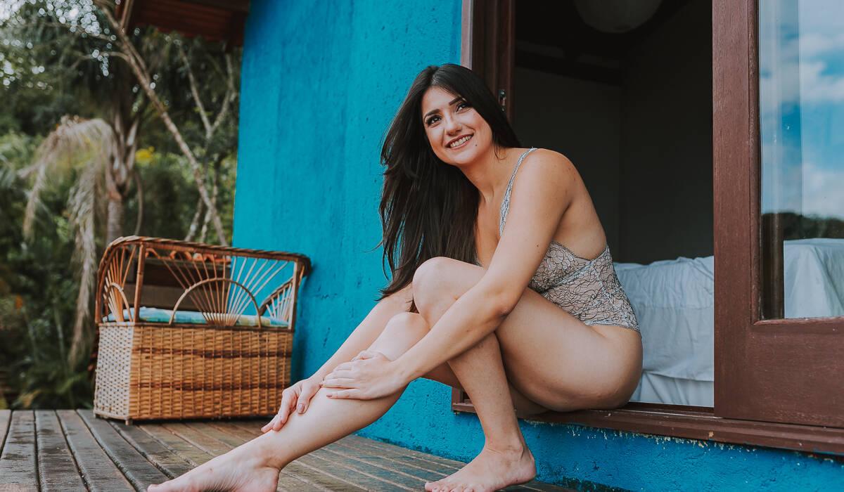 Ensaio Sensual Feminino - Interno de Daiany Goulart