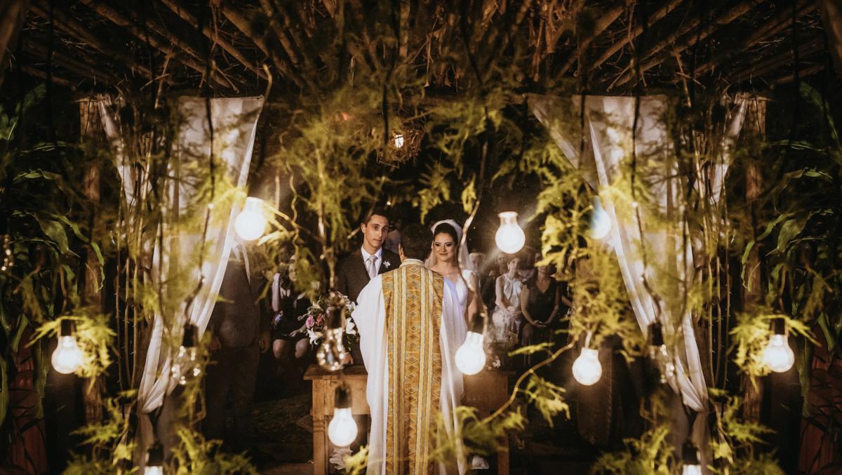 cerimônia à noite de casamento