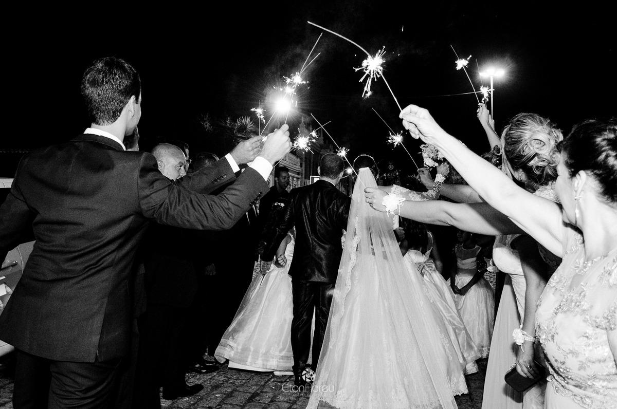 Imagem capa - Velas sparkles: a tendência que vai fazer seu casamento brilhar por Elton Abreu Araujo Sampaio