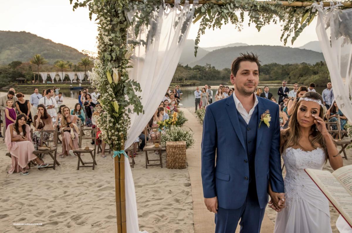 casamento na praia de itamambuca - litoral sp casamento pé na areia decoração