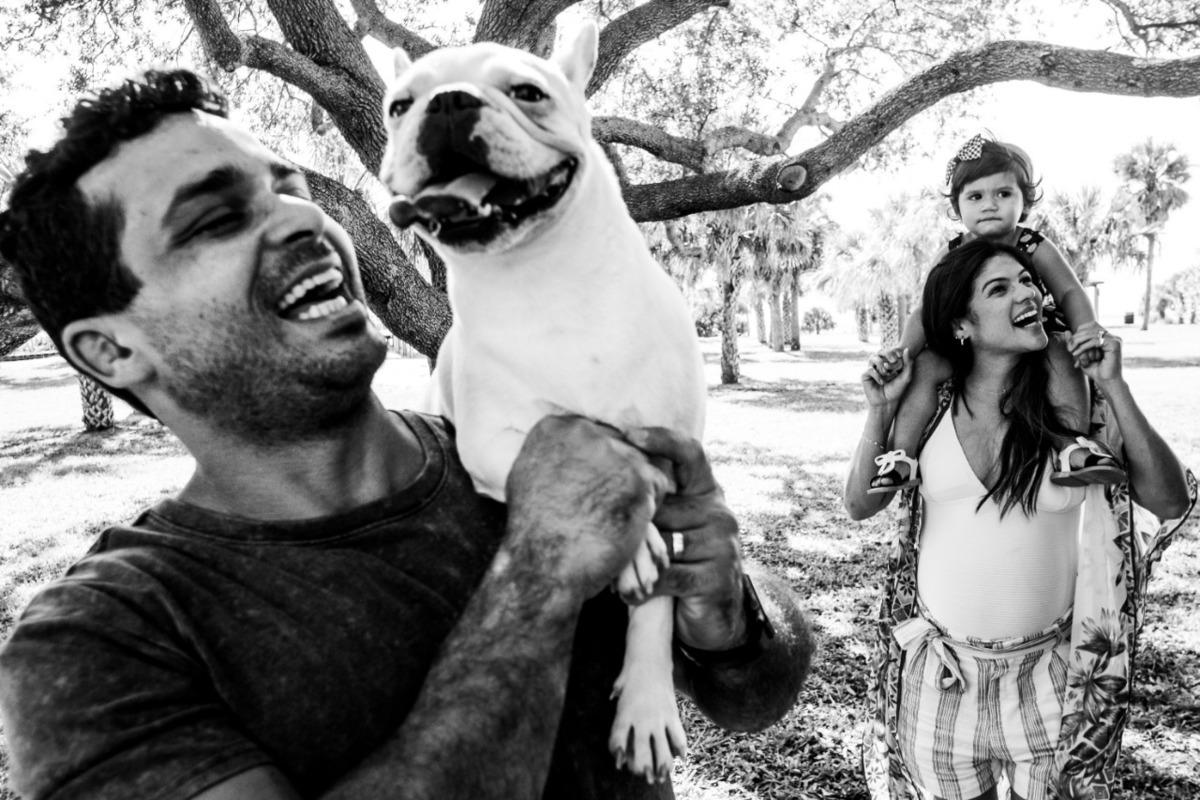 ensaio de familia com pet fotografo brasileiro nos eua empreendedorismo portugal alboom