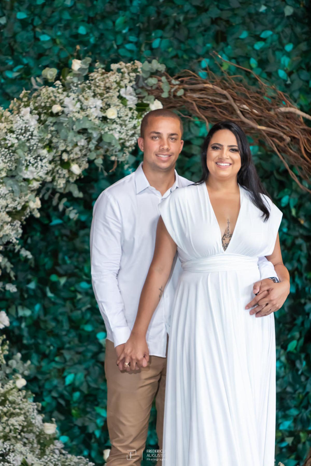 Renata e Guilherme no pré casamento no Chalé Pampulha