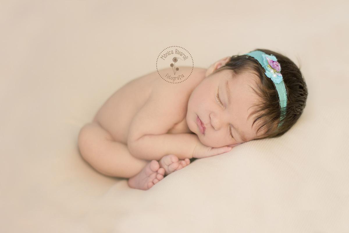 Imagem capa - Sobre os Ensaios Newborn por Mônica Rivaroli Fotografia