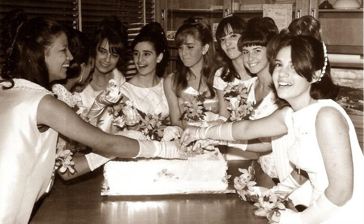 Imagem capa - Como surgiu o baile de Debutantes? por Sidnei Rodrigues Fotografias