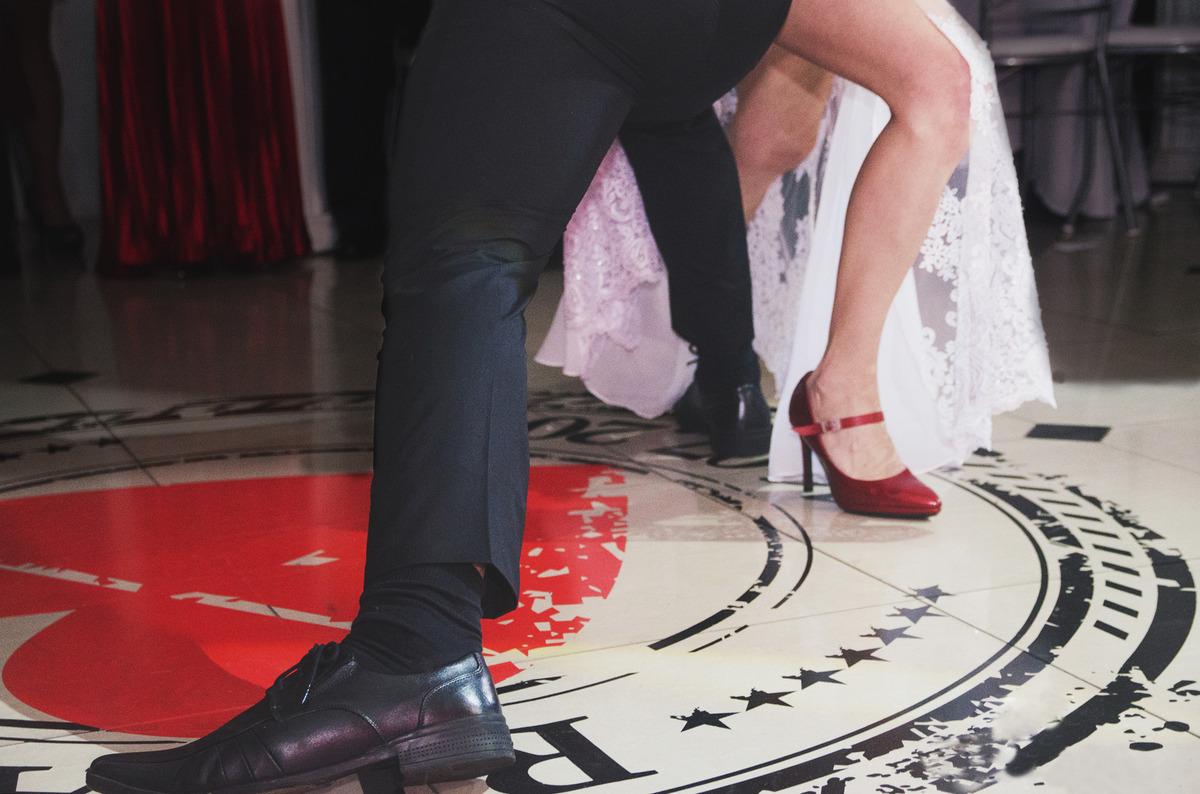 Imagem capa - ELA DANÇA, ELE DANÇA!! Dança dos Noivos. por Marco Getulio Galarraga Moscarelli