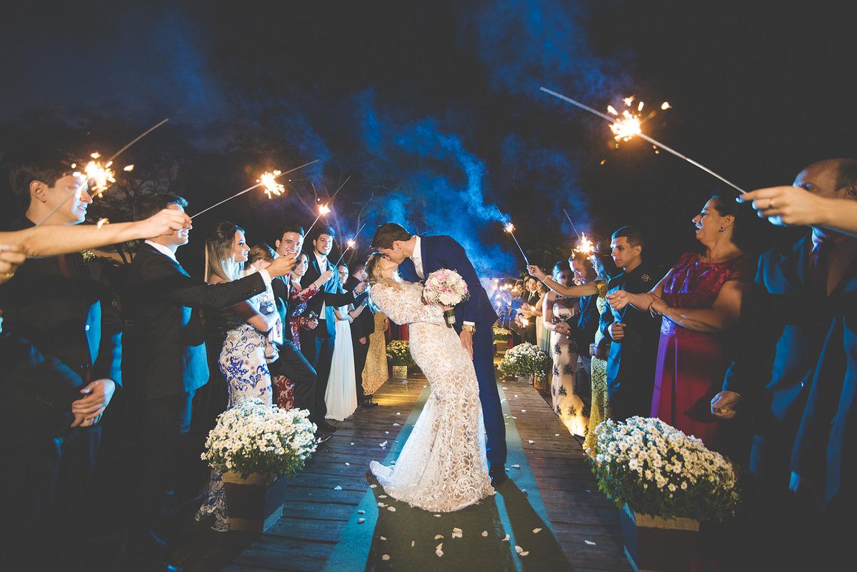 Imagem capa - 5 dicas simples para você sair incrível nas fotos do seu casamento por Lizandro Júnior