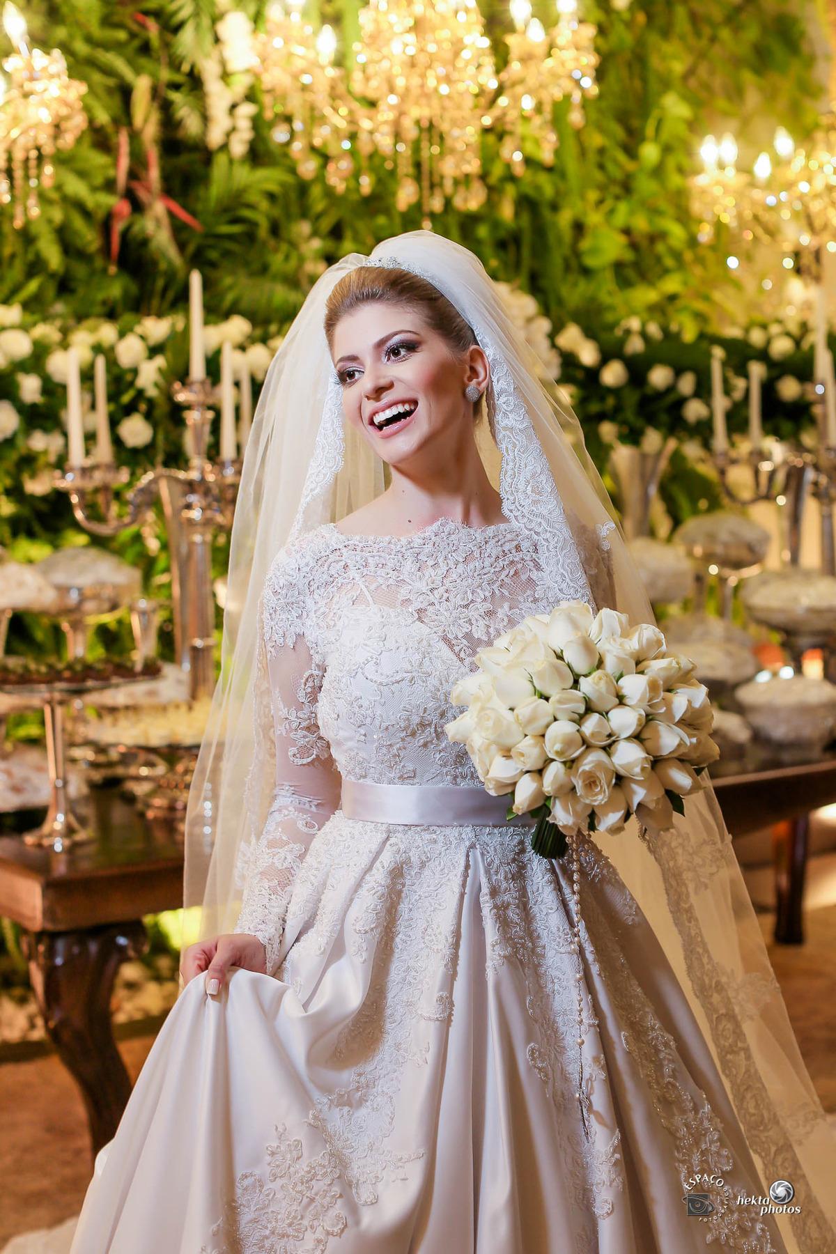 Imagem capa - Tendência de vestido de noiva 2018 por Espaco Fotografico Ltda