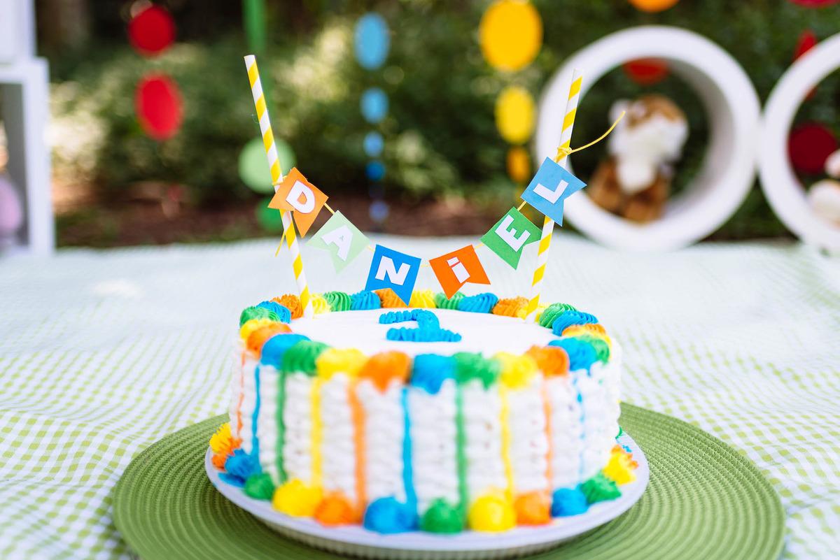 Imagem capa - Infantil: Perguntas e respostas sobre o ensaio smash the cake (amassar o bolo) por W&W Fotografia