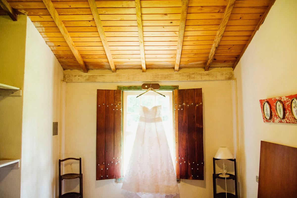 Imagem capa - FOTOGRAFIA DE VESTIDO/ FOTOGRAFIA DE CASAMENTO por Delfi