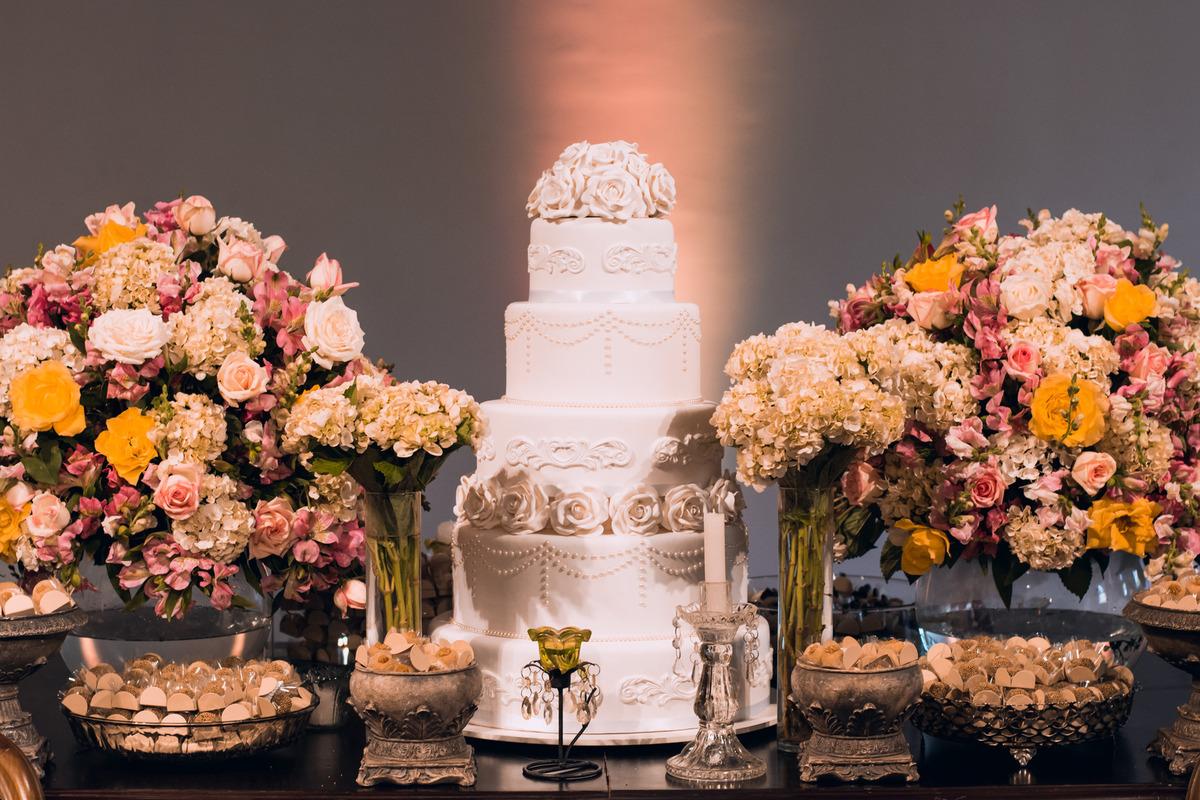Imagem capa - 5 Idéias e inspirações para decoração da mesa do bolo por Fernando Ramos - Fotografia