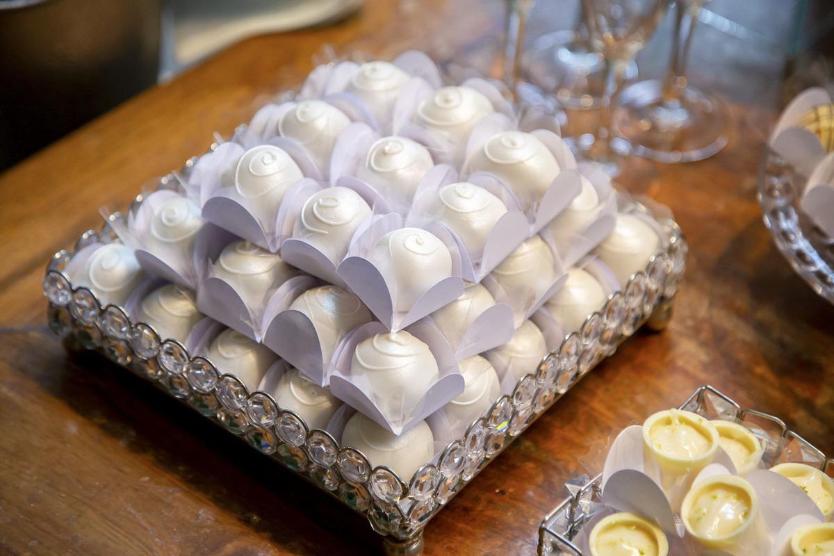 mesa-docinhos-casamento-Lalouette-Restaurante-Frances
