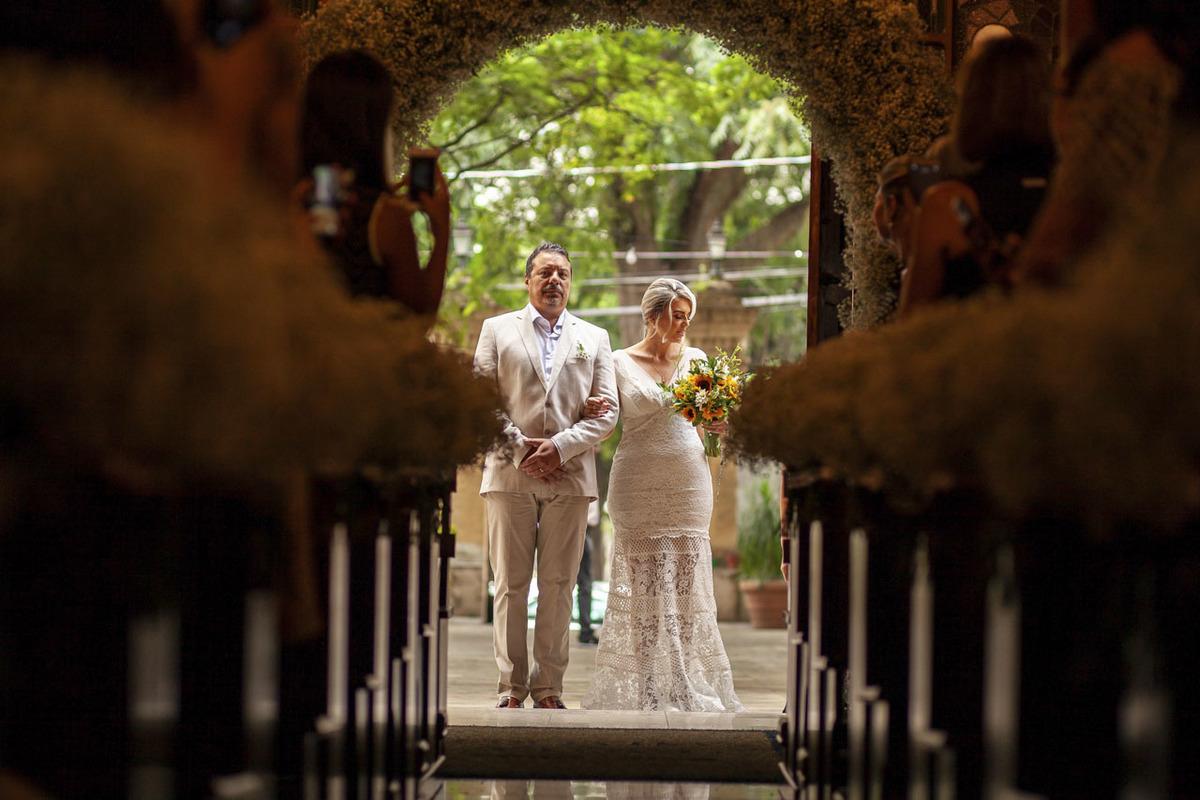 entrada-noiva-capela-santa-cruz-cambui-campinas