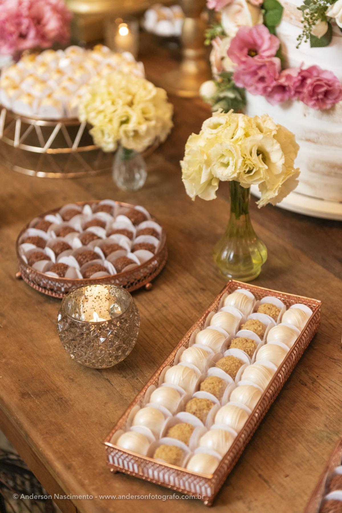 mesa-decoracao-docinhos-mesa-docinhos-aniversario-villa-da-mooca