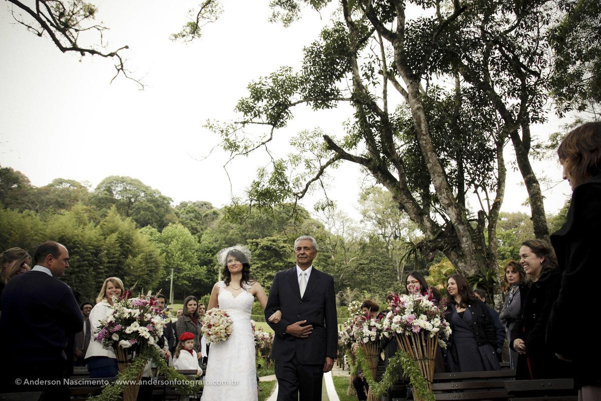 entrada-noiva-buffet-espaco-natureza