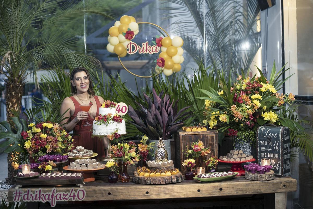 Mesa-decorada-maui-poke-restaurante-alphaville