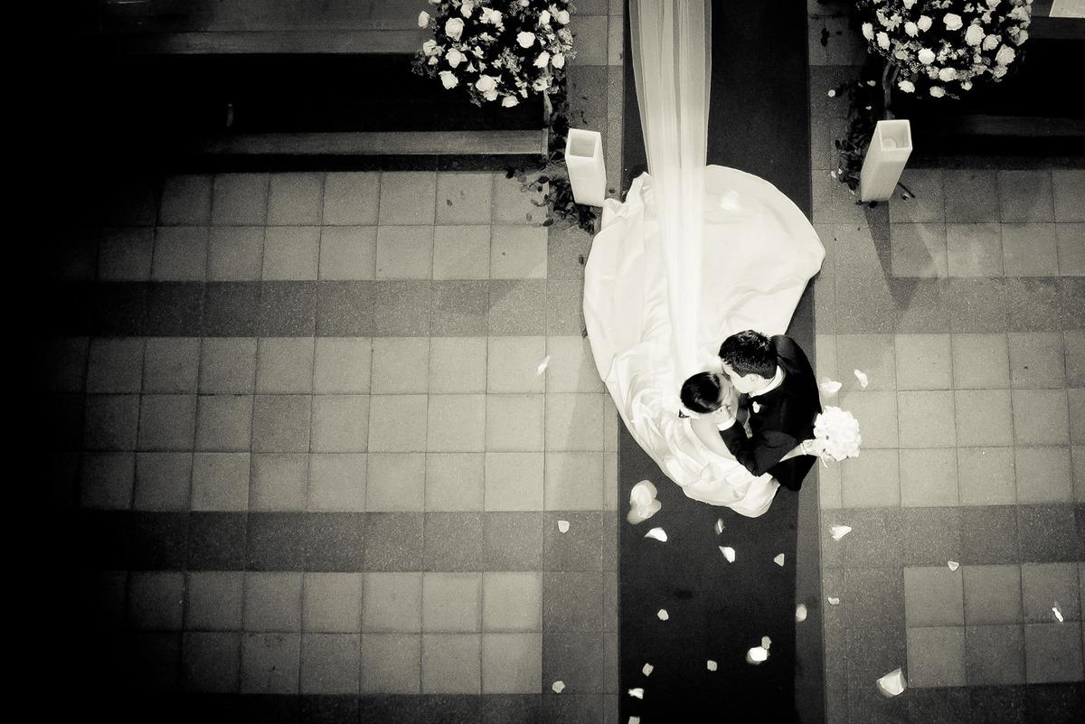 o beijo da noiva e do noivo , por Vinícius Vogel, fotografo de casamento em Porto Alegre, Serra Gaúcha e Região Metropolitana