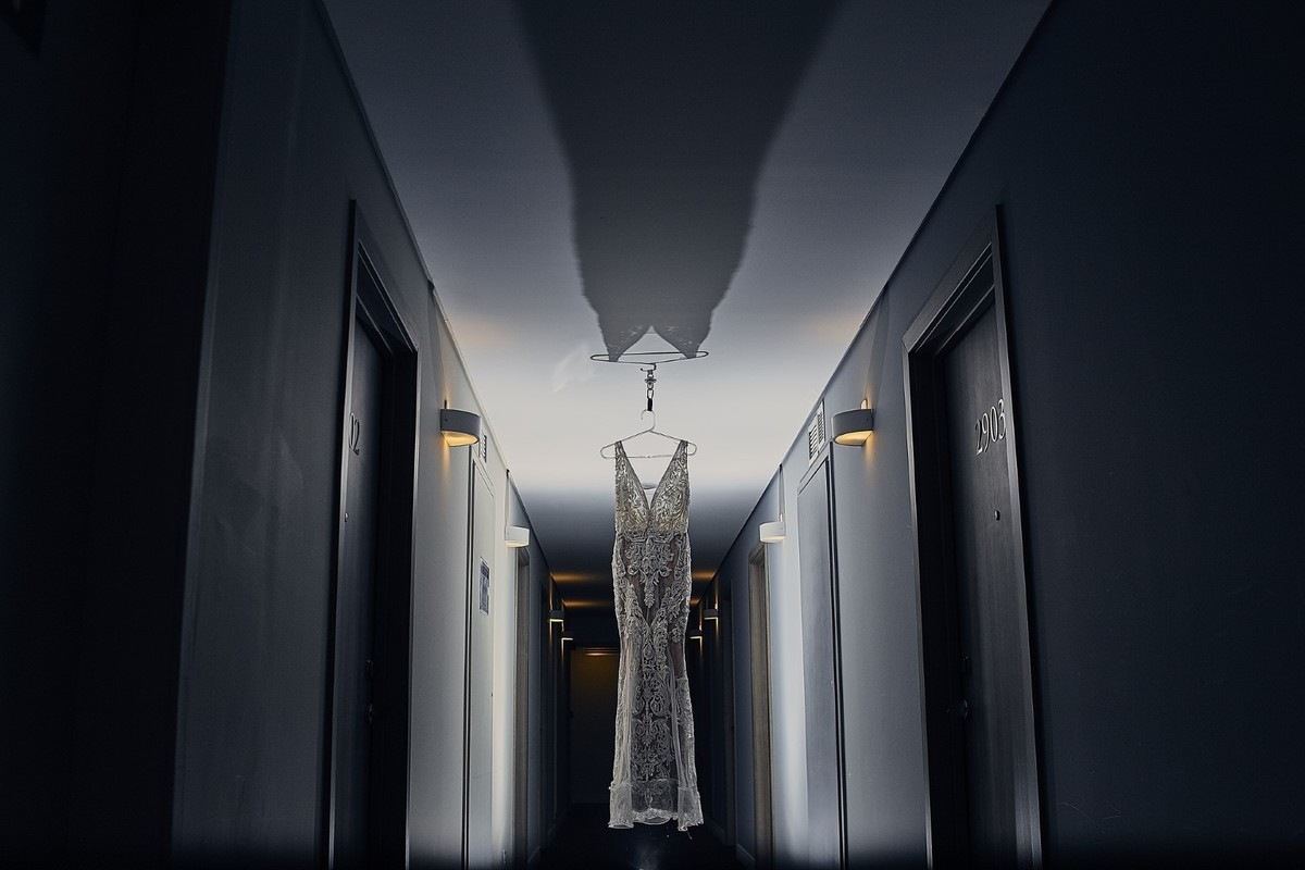 Foto no corredor do hotel Novotel em Santos