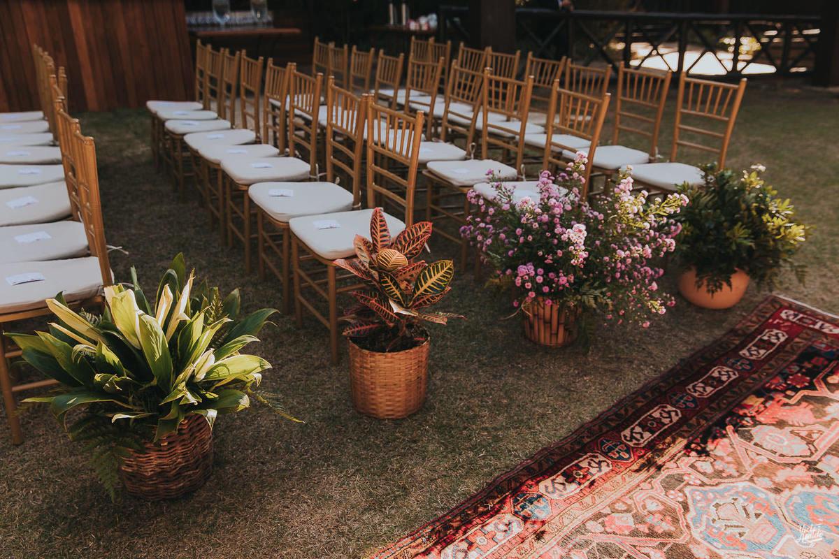 cadeiras casamento, tapete, casamento, decoração de festa, mobiliário, sofás, lustres, victor ataide, casar, repceção, villa santorini, confins, lugar para casamento