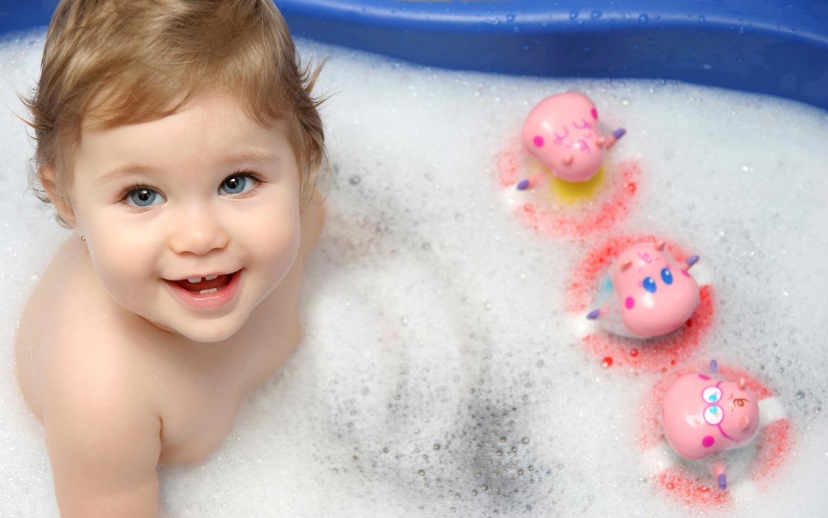Imagem capa - Hora do banho por LaMusa Fotografia mamãe e bebê-Newborn