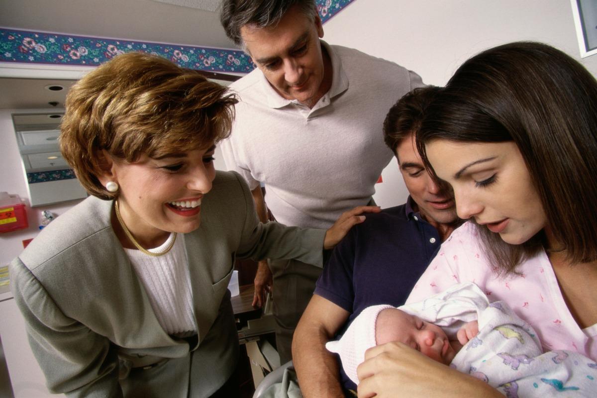 Imagem capa - Vai visitar um recém-nascido? Fique atento a algumas coisas para tornar a visita mais agradável! por LaMusa Fotografia mamãe e bebê-Newborn