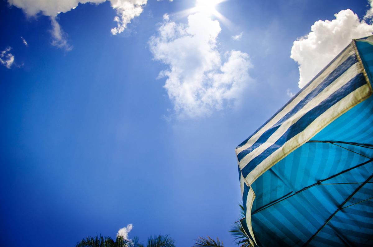 Imagem capa - Azul nosso de cada dia por Dennis Calçada