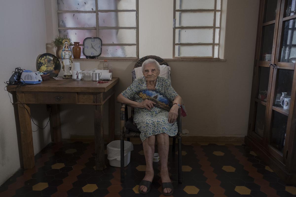 Maria, professora por 31 anos no Pantanal, cuiabana, 100 anos.