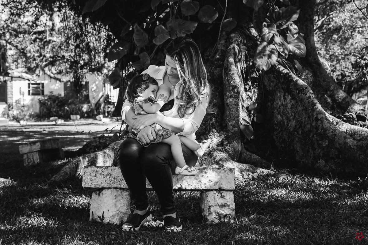 Imagem capa - Dúvidas frequentes sobre Amamentação por Kelly Schmidt - Fotografia feita de amor!