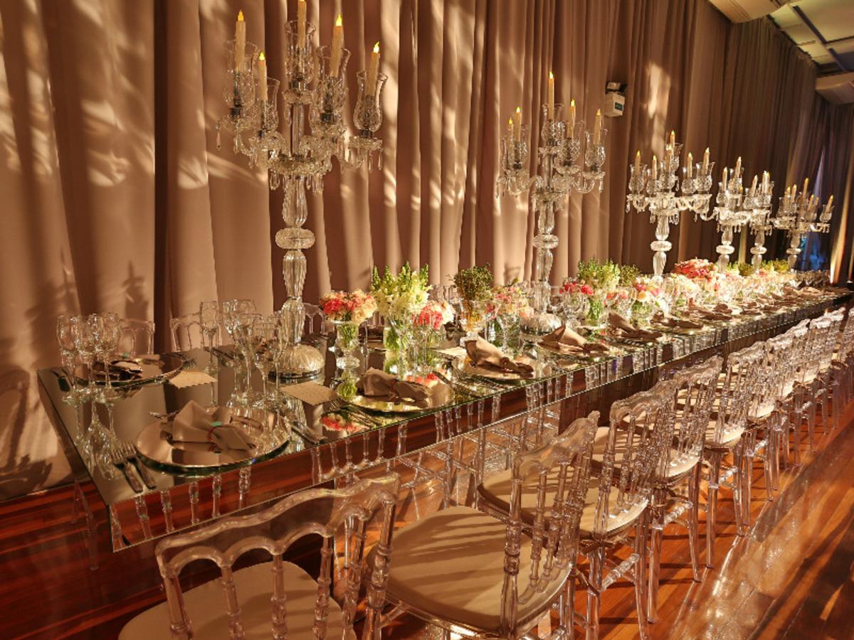 decoração-na-casa-vetro-festa-de-15-anos-tema-rosas-para-quinze-anos-cadeiras-de-vidro-decoração-de-mesas-para-aniversario-fotografo-fabio-martins-porto-alegre-casa-de-eventos-porto-alegre-decoração-de-festa-decoração-chique-decoração-cor-de-rosa-decoração-de-festa-com-flores-lustre-de-flores-mesa-resonda-cortinas-salmao-longas-buque-de-rosas-aniversario-de-15-anos-chique-na-casa-vetro-de-porto-alegre-rio-grande-do-sul-cobertura-fotografica-fabio-martins-festa-party-diversao-casa-vetro-festa-de-quinze-anos-em-porto-alegre-festa-de-debutante-na-casa-vetro-debutante-15-anos-quinze-anos-15th-casa-vetro-salao-principal-casa-vetro-espaço-de-eventos-casa-vetro-quinze-anos-casa-vetro-festa-tema-rosas-porto-alegre