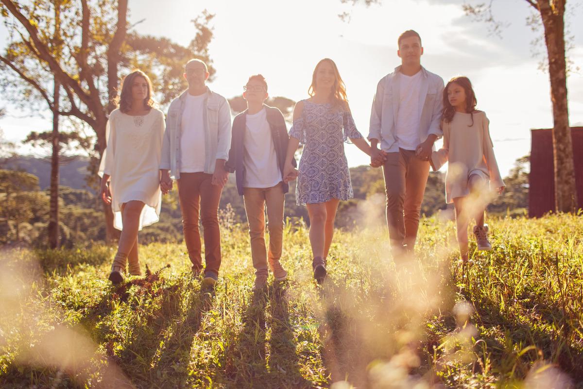 Imagem capa - A importância do momento em família e as 5 palavrinhas mágicas para uma vida melhor! Pare, Respire, Sinta, Perceba e Esteja! por Deise