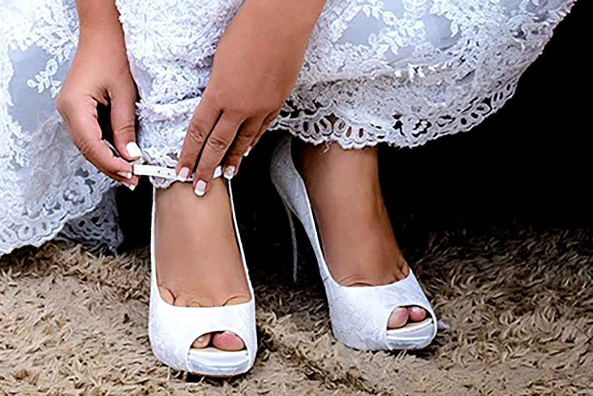 Imagem capa - Qual o sapato ideal pra noiva casar? por Augusto dos Santos