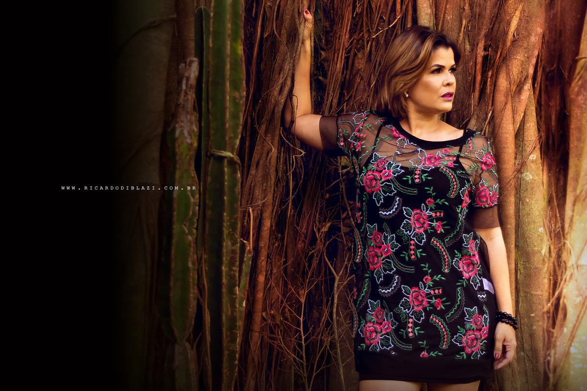 Imagem capa - Nina Barbosa - Jornalista da TV Tribuna é a nossa modelo por um dia! por Ricardo Di Blazi