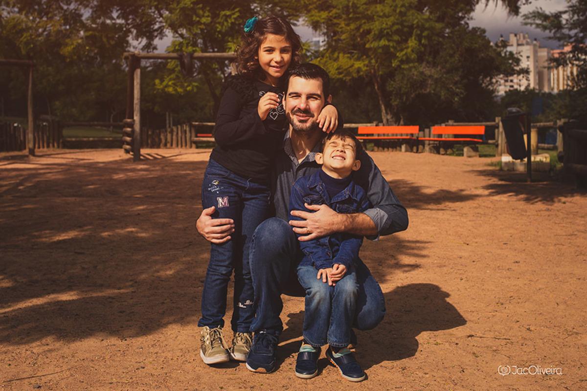 emerson petro com filhos alice e joaquim, autista em porto alegre