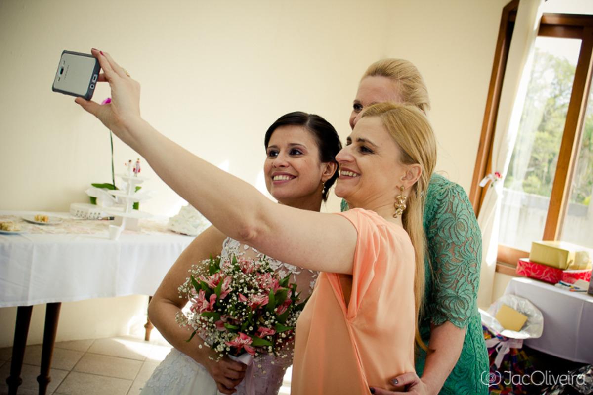 selfie noiva com amigas