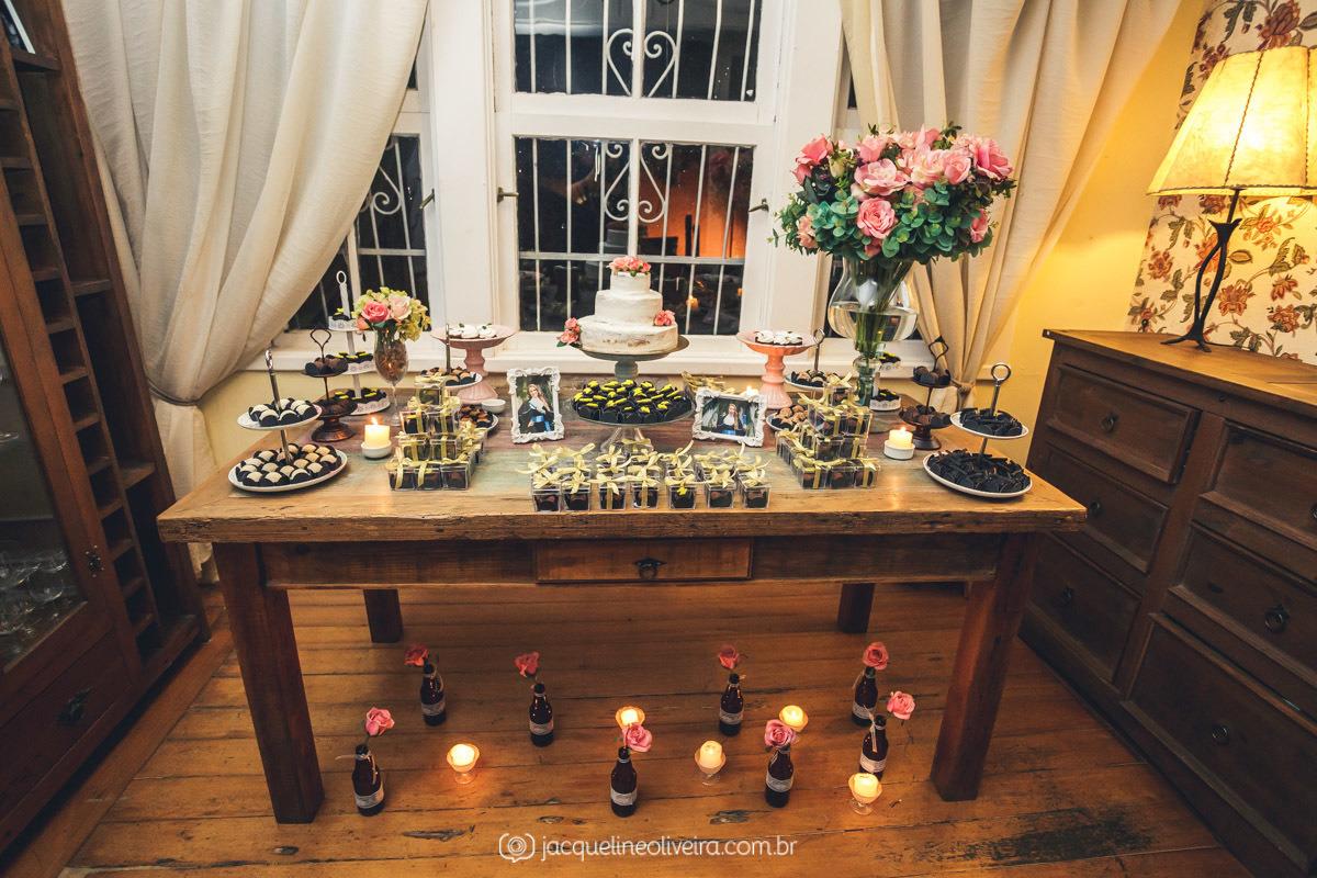 mesa com flores e doces formatura porto alegre