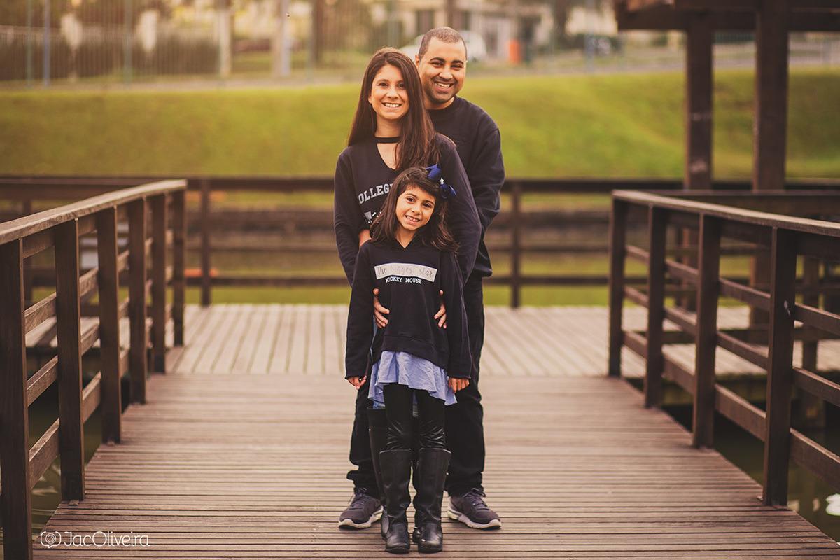 pai e filha e esposa no parque germania ensaio familia porto alegre