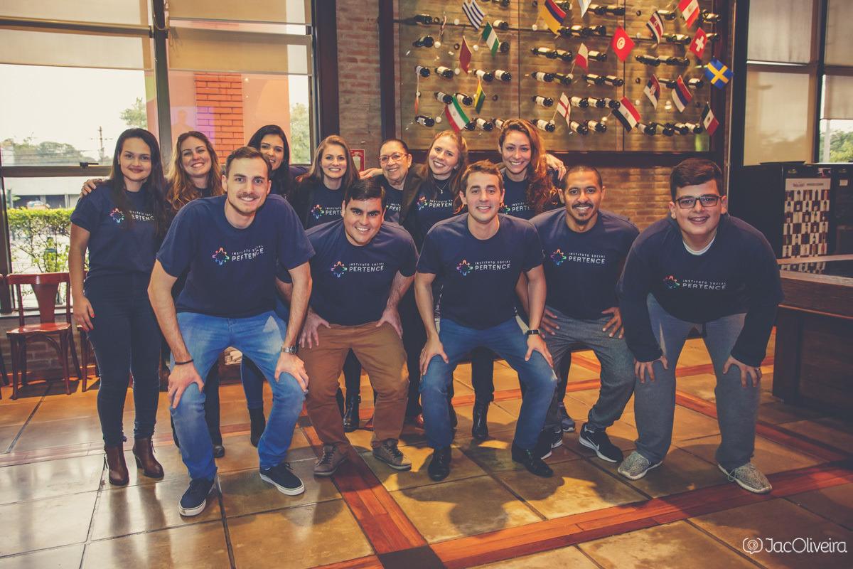 equipe pertence no lançamento do instituto social pertence