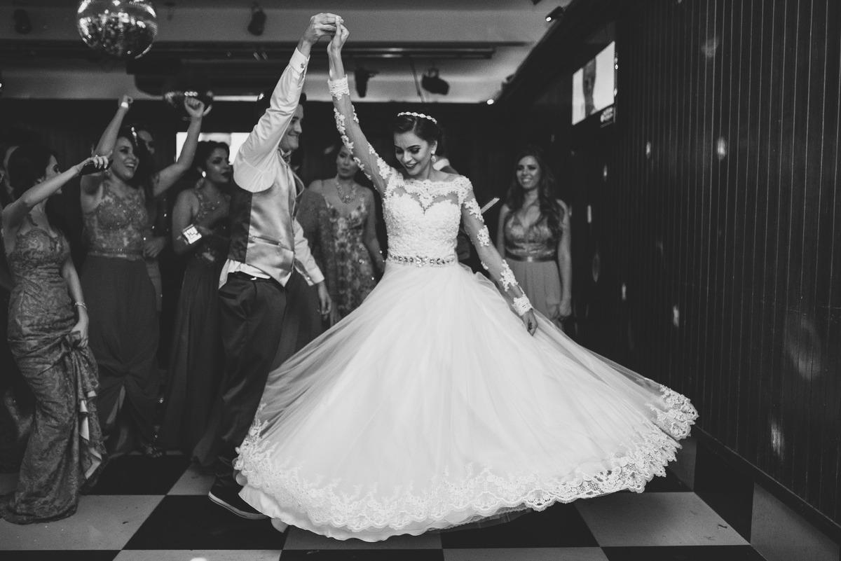 Imagem capa - 8 motivos para fazer SIM uma festa de casamento por Carlos Nikito