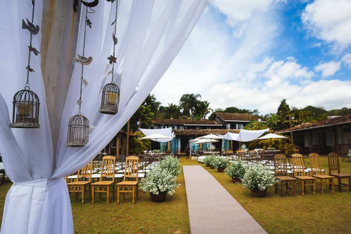decoração para casamento ao ar livre na pousada brisa da serra em tiradentes