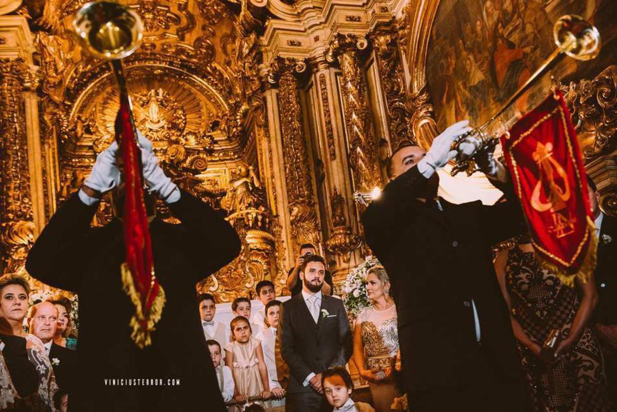 casamento no interior da matriz de santo antonio em tiradentes mg