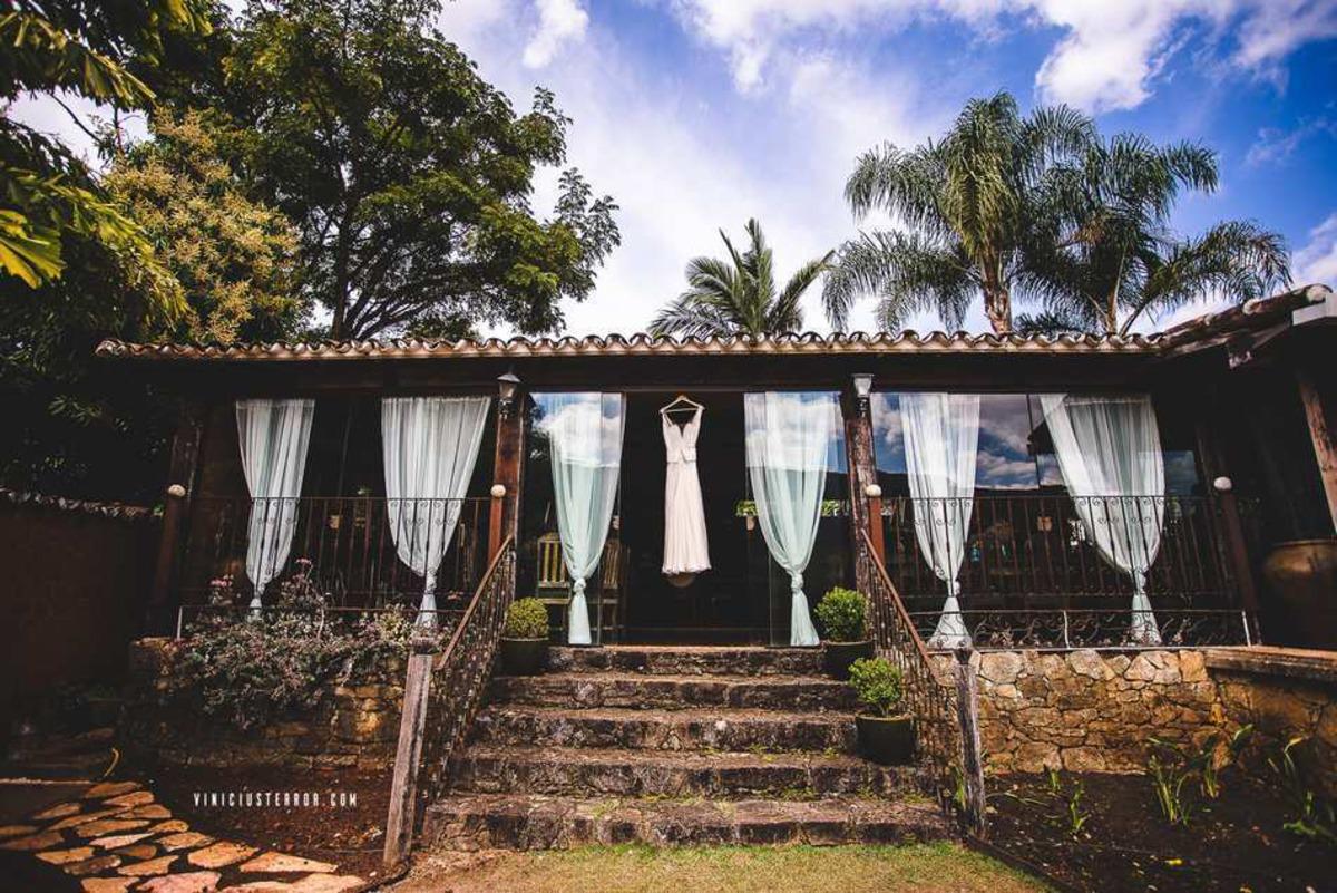 fotos de vestido de noiva pendurado