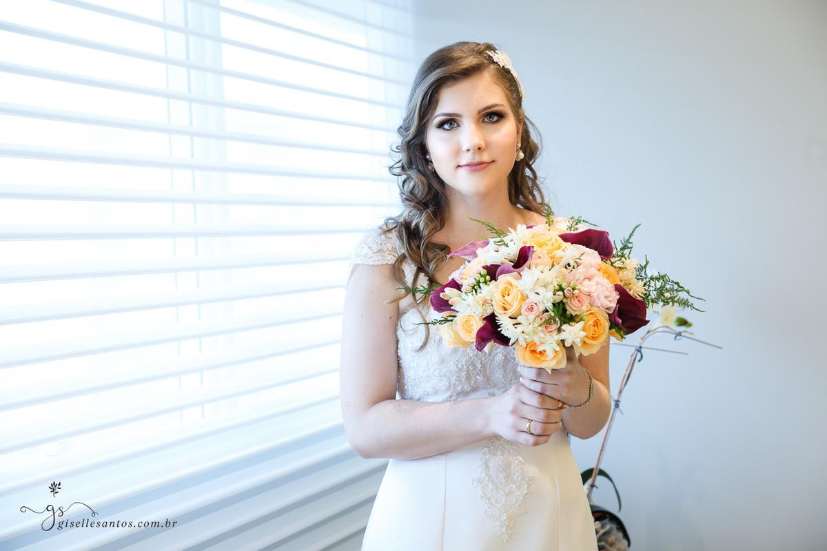 Imagem capa - Vestido de Noiva  por Giselle Santos