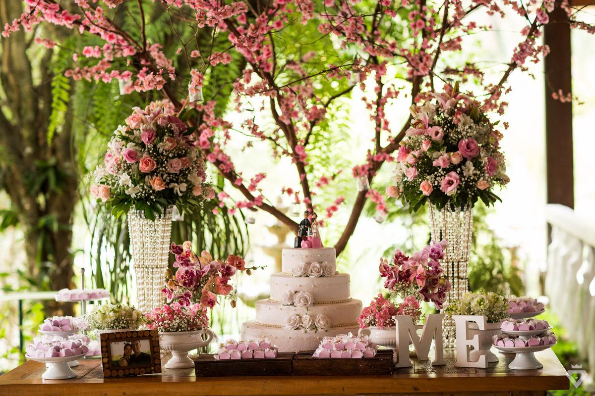 Imagem capa - Decoração de Casamento no Campo com Orquídeas - São Roque - SP por Guilherme Lion