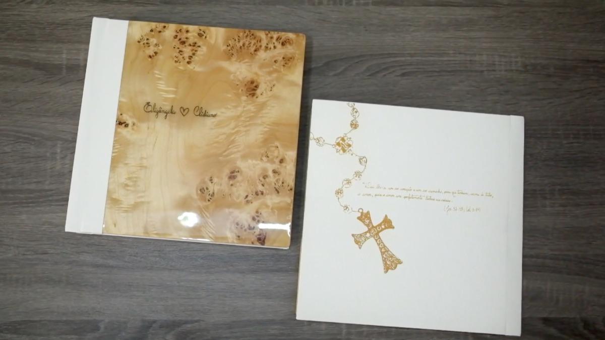 Imagem capa - Álbum de Eliz + Clid: Madeira Exótica, Terço em vetor, escrita à mão por Junior Barreto